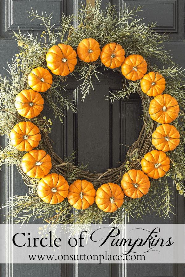 Circle Pumpkin Wreath.