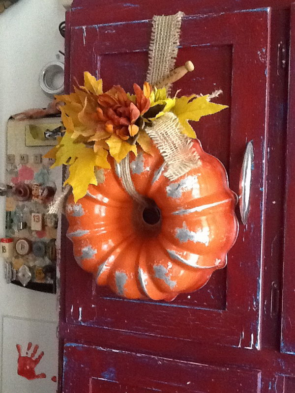 Fall Wreath Recycled from Old Bundt Cake Pan .