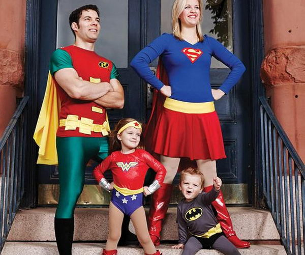2 family halloween costume diy ideas thumb