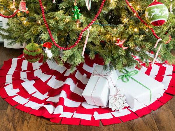No Sew Sunburst Christmas Tree Skirt.