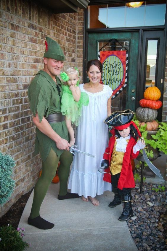 Peter Pan Family Costume.