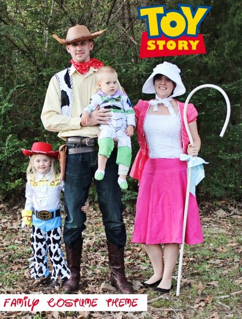 Family Toy Story Costumes.