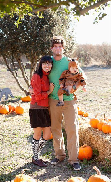 Scooby Doo Family Costumes.