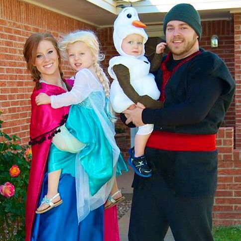 Frozen Family Costumes.