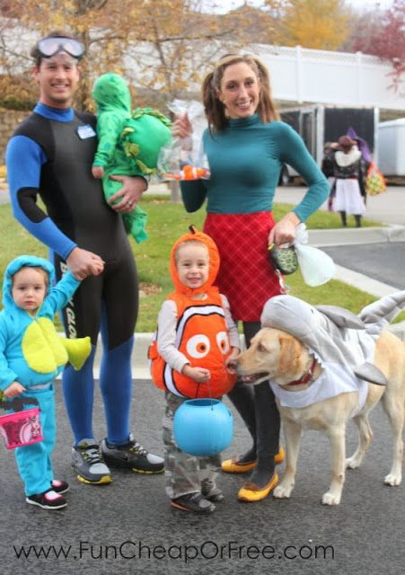 DIY Finding Nemo Family Costumes.