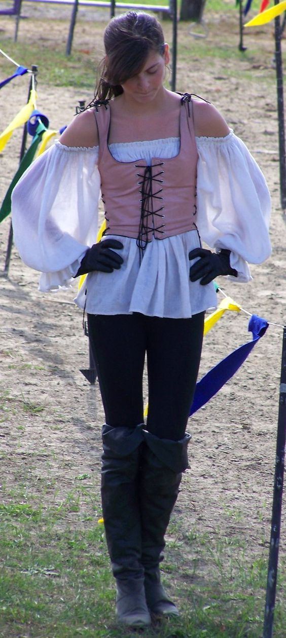 25 pirate costumes and diy ideas 2017 renaissance faire costume solutioingenieria Gallery