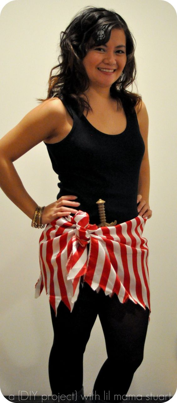 Simple Pirate Costume for Women.