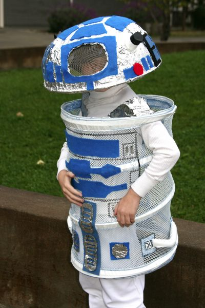Easy R2D2 Costume from Laundry Hamper.
