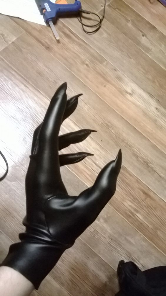 Claw Gloves for Catwoman Costume.