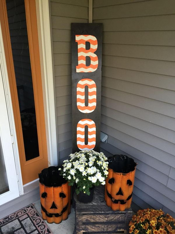 "DIY Wooden Halloween ""BOO"" Sign."