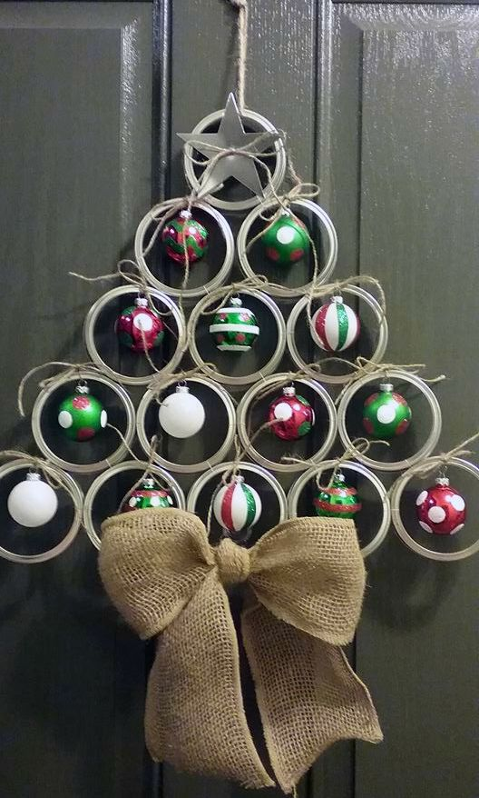 Canning mason jar lid christmas tree door hanger.