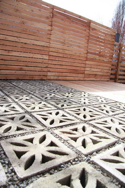 decorative concrete blocks the floor in this patio - Patio Flooring