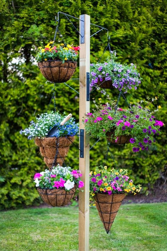 Hanging Baskets Plant Stand.