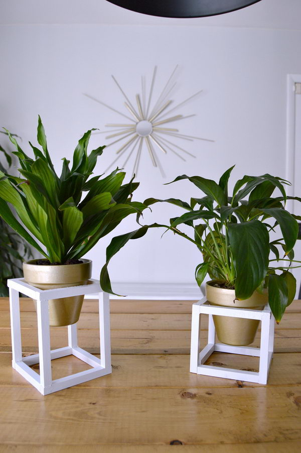 DIY Modern Cube Plant Stand .