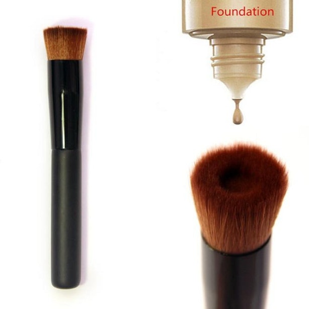 A Makeup Brush That's Made For Cream Foundation.