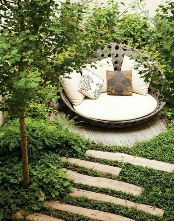 20+ Lovable and Relaxing Garden Retreat Ideas 2017