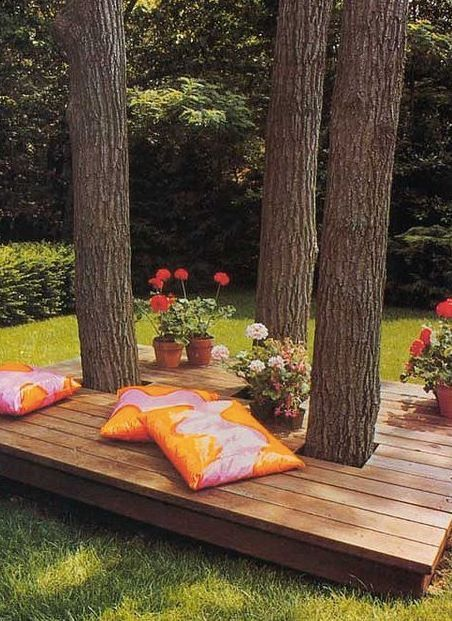 DIY Tree Platform Seating Area.