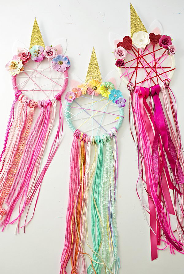 DIY Unicorn Dreamcatcher.