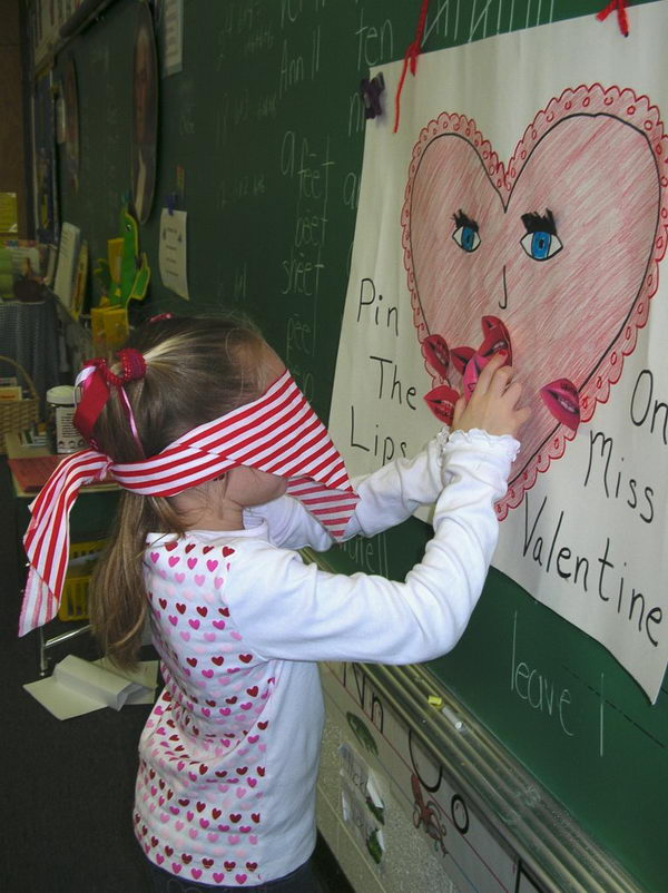 Pin The Lips On Miss Valentine Game.