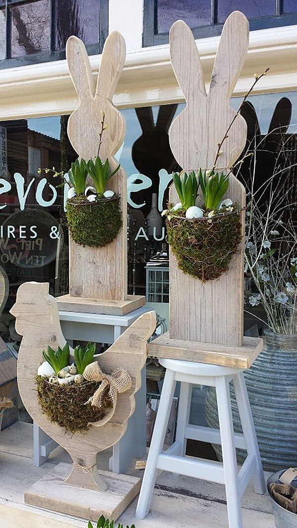 Wood Easter Bunny and Chicken Planters.