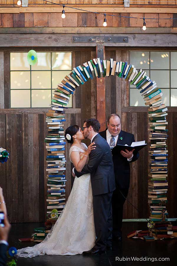 Build a bookshelf arch for books lover.